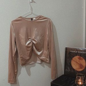 Soft long sleeve fitted crop with rouching
